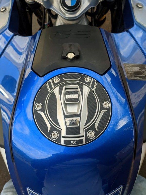 ADESIVO PROTEÇÃO DA TAMPA DO TANQUE - FIBRA CARBONO - BMW GS 1200/GS 1250