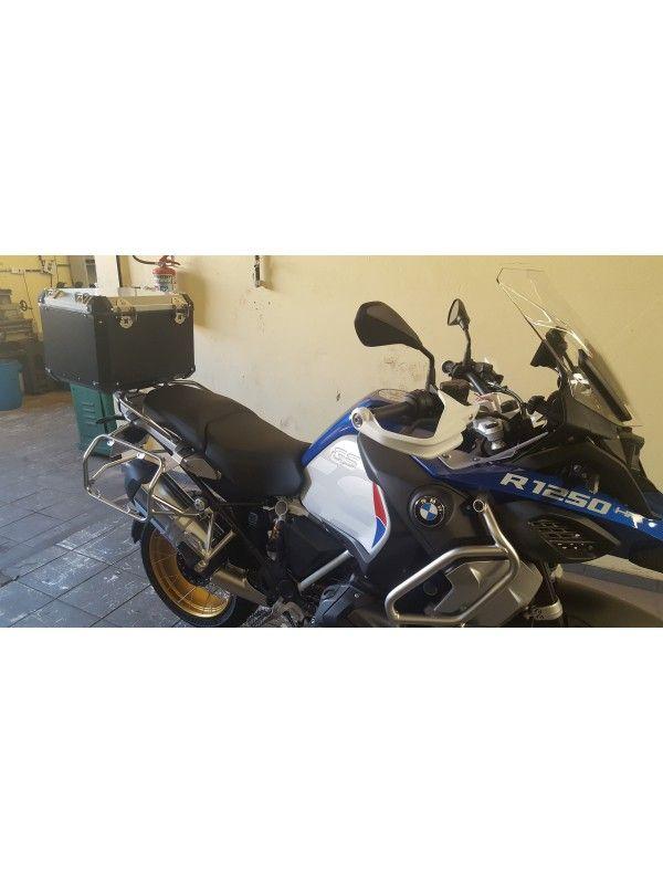 BMW R1250 GS ADVENTURE > TOPCASE ALUMÍNIO 49 L (1 E MEIO CAPACETE)